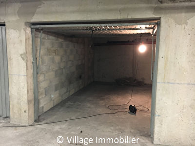EXCLUSIVITE: Garage à vendre Centre-Ville St-Priest